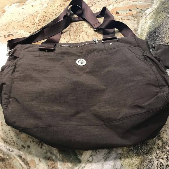 Baggalini extra large tote bag in brown